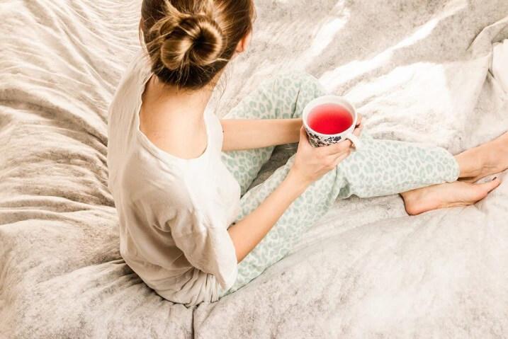gyermekágy, szoptatás, teázás, gyógynövények, barátcserje hatása, idegnyugtató tea