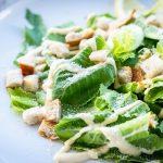 Vegán cézár saláta