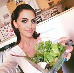 Larion Zoé, saláta