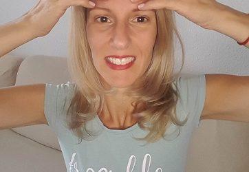 Homlok ráncok eltüntetése az arcjóga módszerével